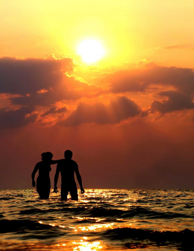 sunset images with couple