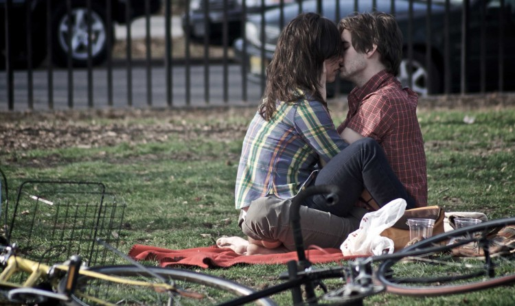 cute couple kissing pictures