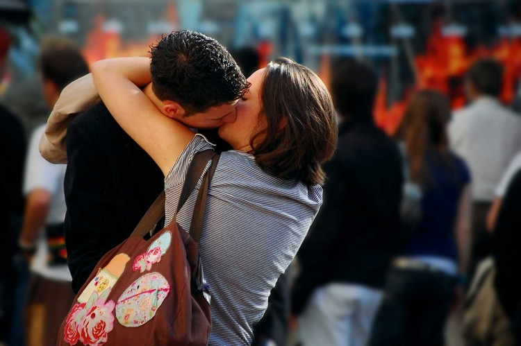 cute kissing picture of romantic couple
