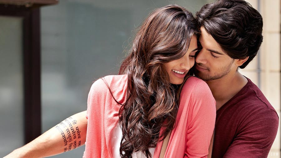 Romantic Bollywood movie wallpapers   Indian Love Wallpaper