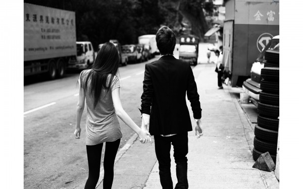 black and white sweet couple wallpaper