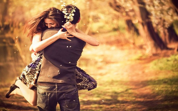 pleasing couple love hug wallpaper