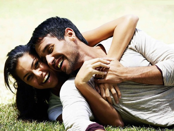 sweet and happy couple images hd